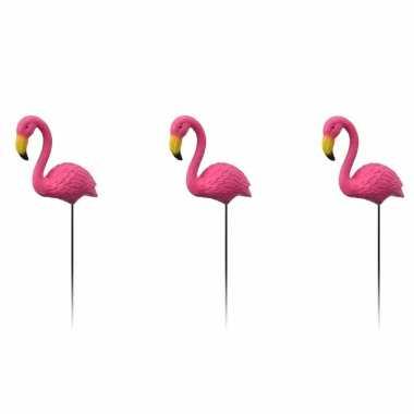 3x tuindecoraties flamingo op prikkers stekers 70 cm tuinbeeldje