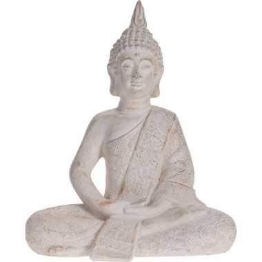 Zittend boeddha tuinbeeld antiek creme 49 cm tuinbeeldje