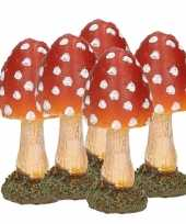 5x stuks decoratie paddenstoelen vliegenzwammen 8 cm tuinbeeldje